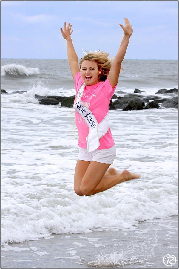 Teen Jeanette Morelan Wins Miss 65