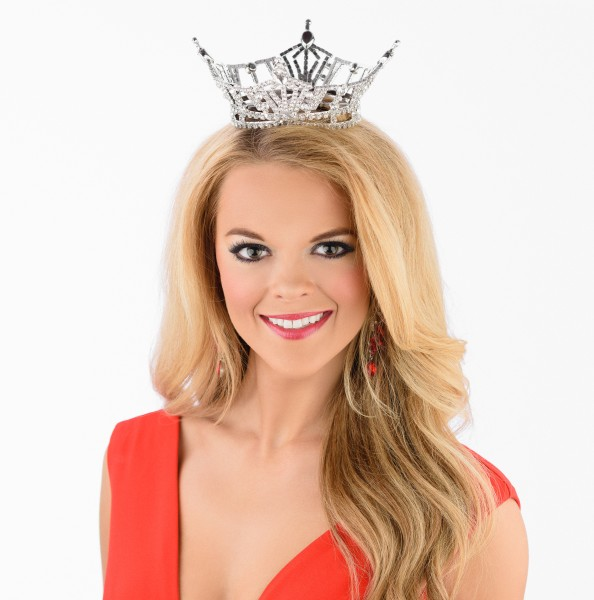 Miss LA 2015 April Nelson Crown