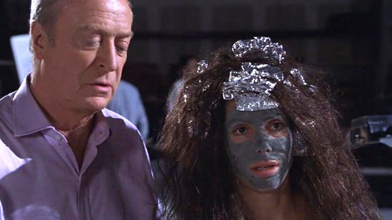 Miss-Congeniality-Screencaps-michael-caine-5104152-550-310