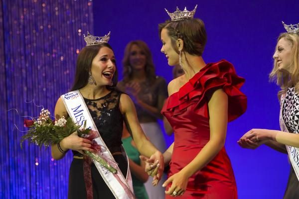Miss Green Bay Area Courtney Pelot wins the Miss Wisconsin title of the scholarship pageant on Saturday at the Alberta Kimball Auditorium June 25, 2016.Jeannette Merten/For USA TODAY NETWORK-WISCONSIN